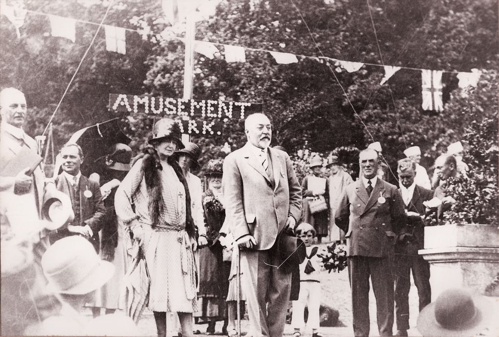 The Lord and Lady Fitzwalter at Goodnestone fete. c. 1930